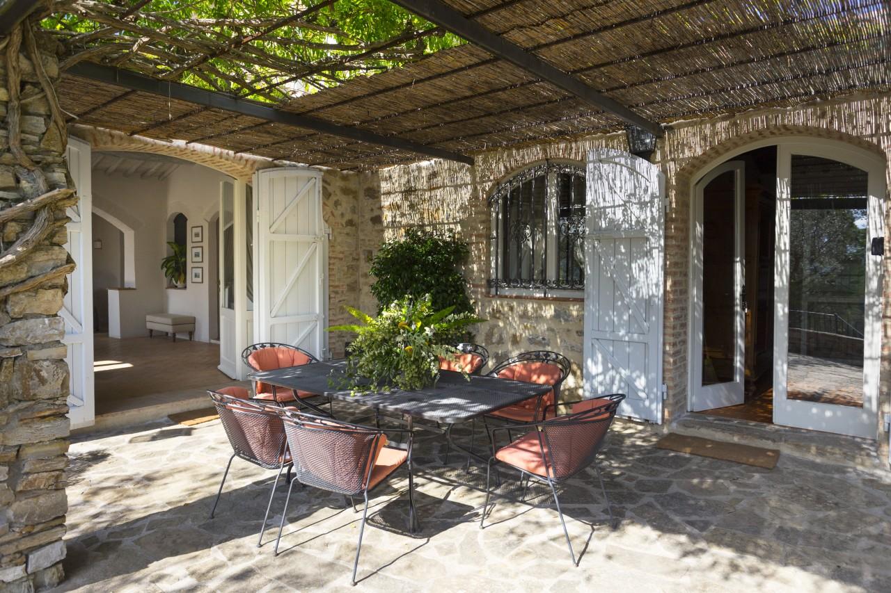 casa gaiole ferienhaus zur miete in der chianti region landmark. Black Bedroom Furniture Sets. Home Design Ideas