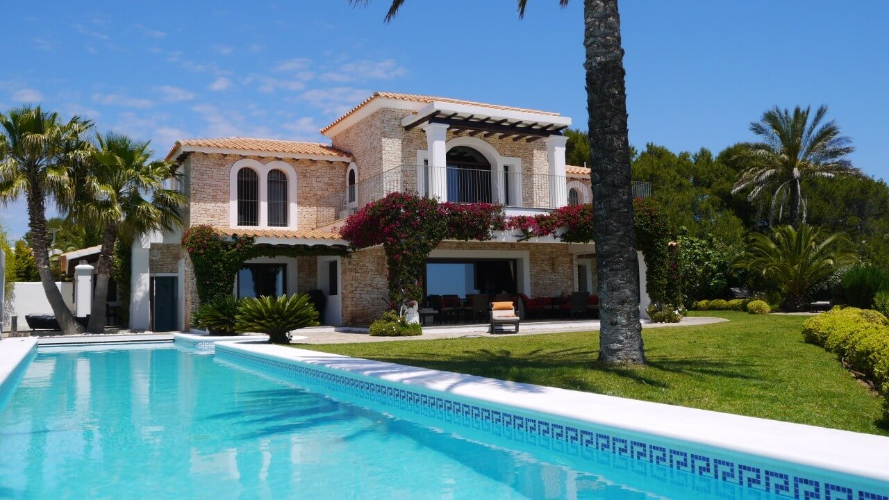 Casa de la luna luxus villa ibiza strand fu l ufig landmark - Casa de la luna ...