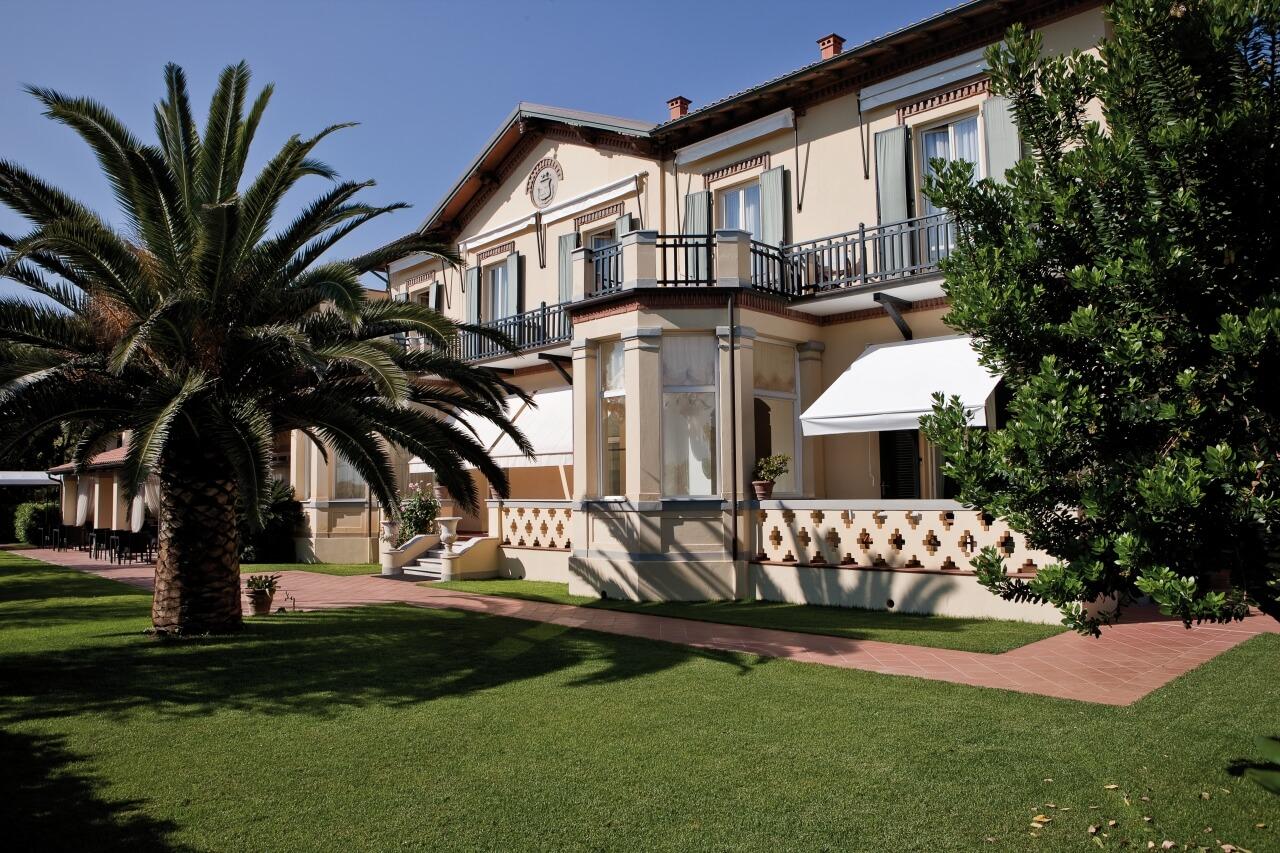 Hotel Byron Forte Dei Marmi Italien Jetzt Bei