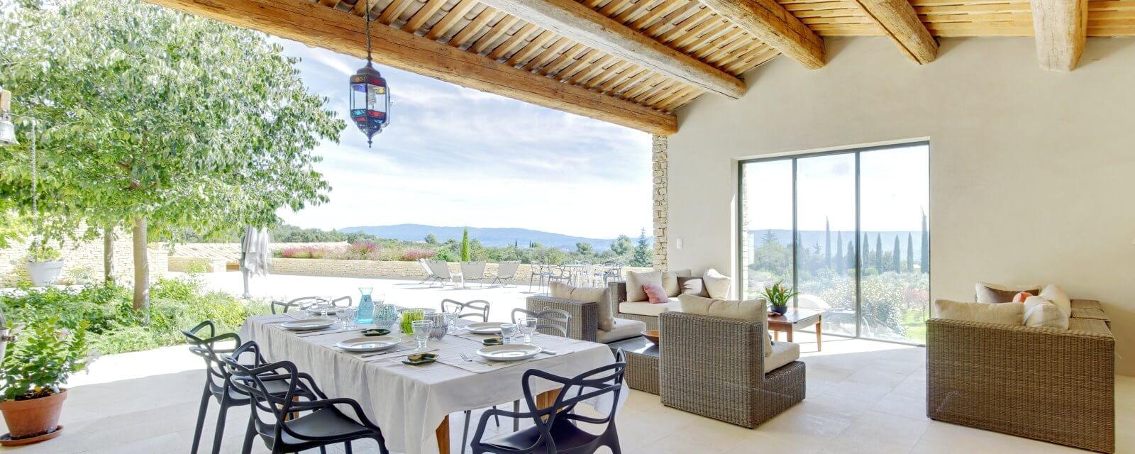 LA BASTIDE BLANCHE | Luxus Ferienhaus Provence | LANDMARK