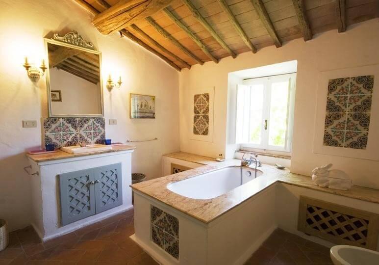 Villa carina ferienhaus in der toskana bei radda mieten for Wohnzimmer marmortisch