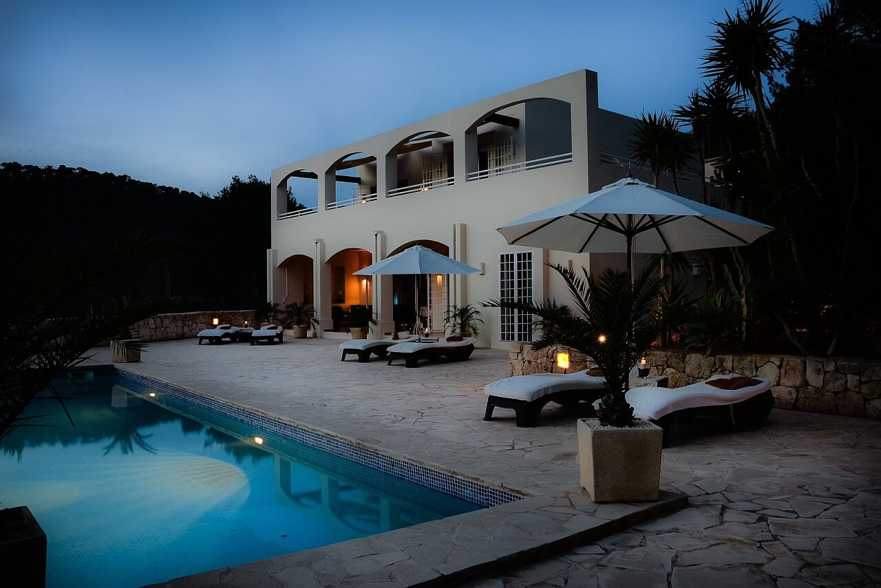 villa es cavallet las salinas bei landmark mieten. Black Bedroom Furniture Sets. Home Design Ideas