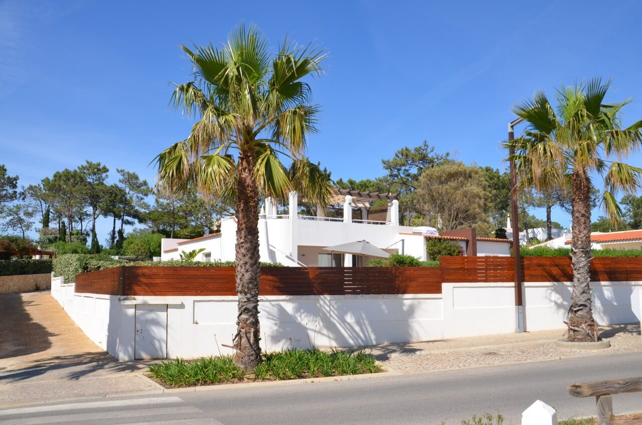 villa falesia luxus ferienhaus an der algarve strand. Black Bedroom Furniture Sets. Home Design Ideas