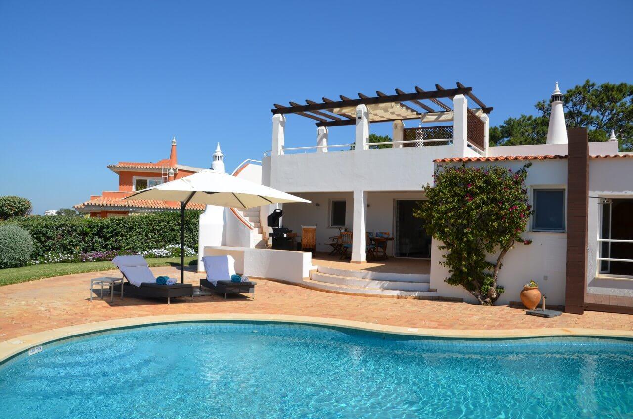 villa falesia luxus ferienhaus an der algarve strand golfurlaub. Black Bedroom Furniture Sets. Home Design Ideas