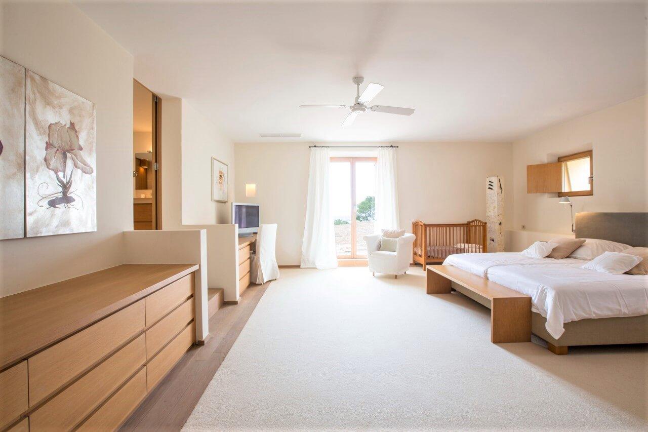 villa santanyi ferienhaus f r 14 personen mieten bei landmark. Black Bedroom Furniture Sets. Home Design Ideas
